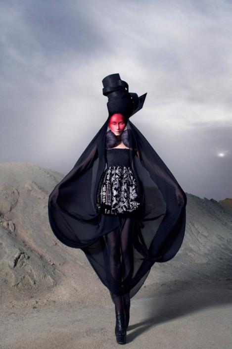 Afroditi-Hera_Woonded-Shadow